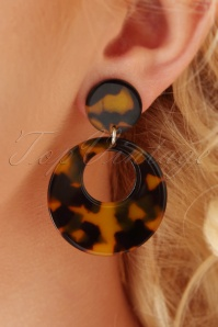 50s Charming Hoop Earrings in Tortoise