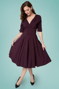 Unique Vintage Delores Swing Dress Années 50 en Aubergine