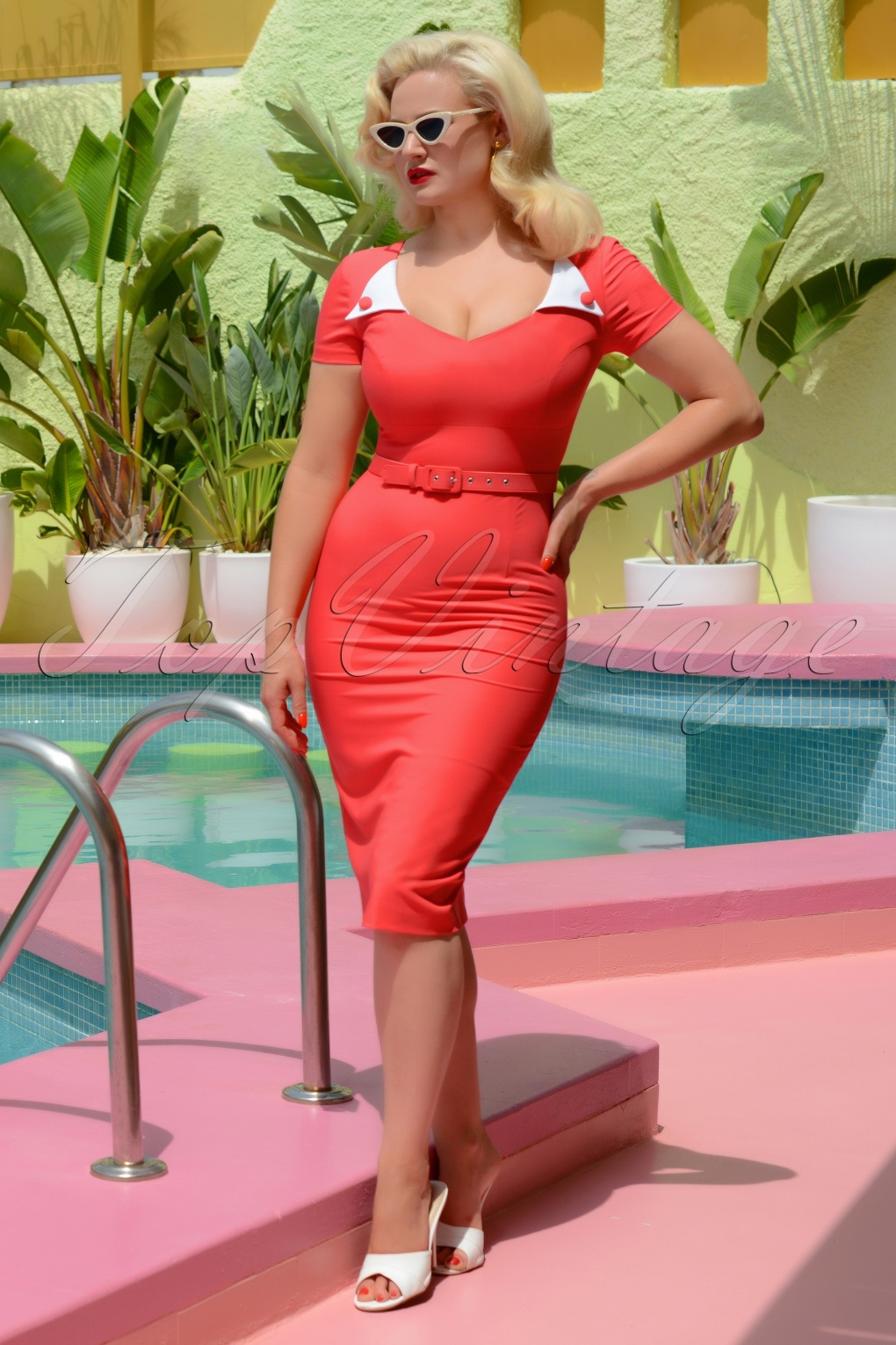 Vintage Christmas Dress | Party Dresses | Night Out Outfits 50s Jane Pencil Dress in Coral £106.26 AT vintagedancer.com