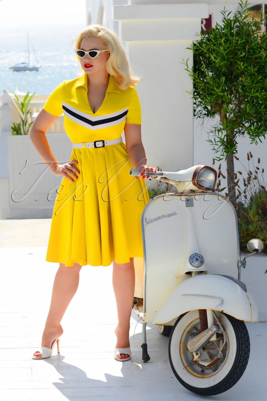1960s Style Dresses, Clothing, Shoes UK 60s June Swing Dress in Mustard £113.33 AT vintagedancer.com