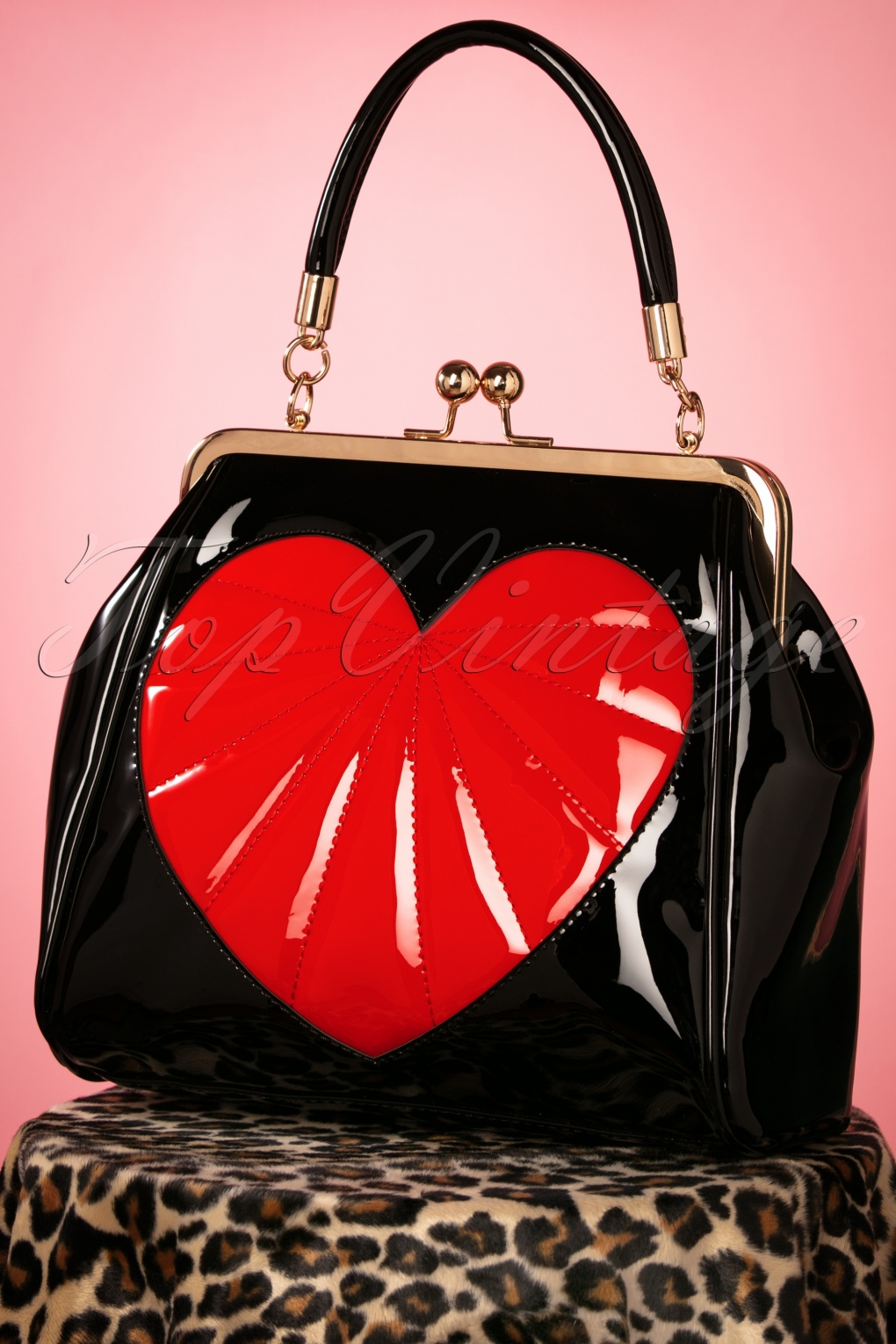 1950s Handbags, Purses, and Evening Bag Styles 50s Heartbreaker Bag in Black £37.93 AT vintagedancer.com