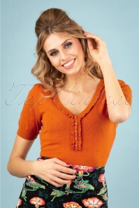 60s Droplet Ruffle V Neck Top in Clay Red