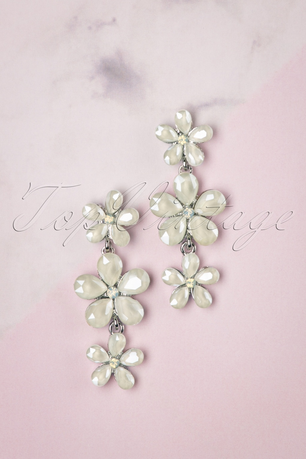 50s Jewelry: Earrings, Necklace, Brooch, Bracelet 50s Dangling Flower Earrings in Ivory £10.82 AT vintagedancer.com