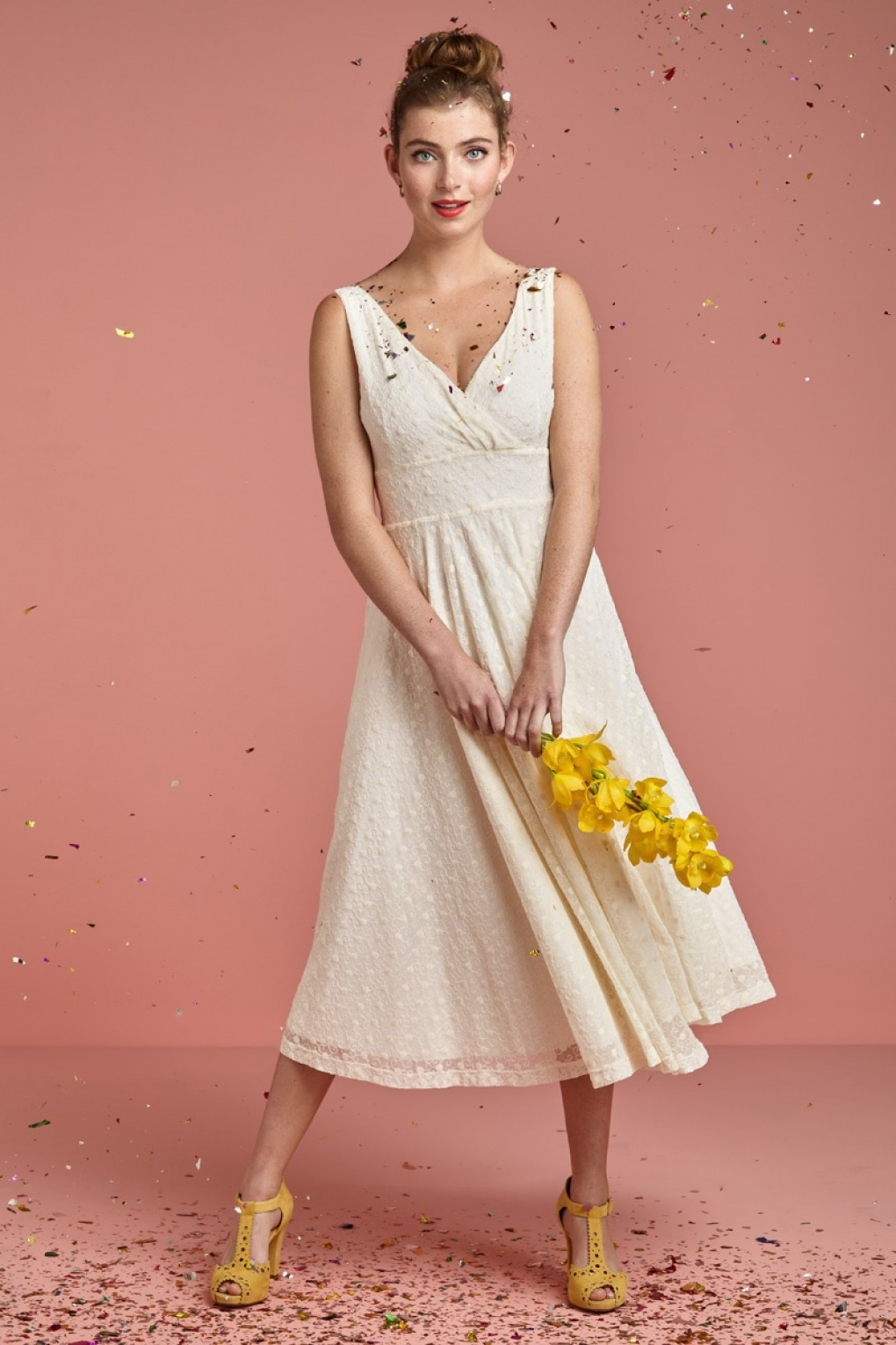 1960s Style Dresses, Clothing, Shoes UK 60s Ginger Romance Wedding Dress in Cream £258.83 AT vintagedancer.com