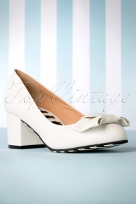 60s Eve Vegan Block Heel Pumps in Fair White