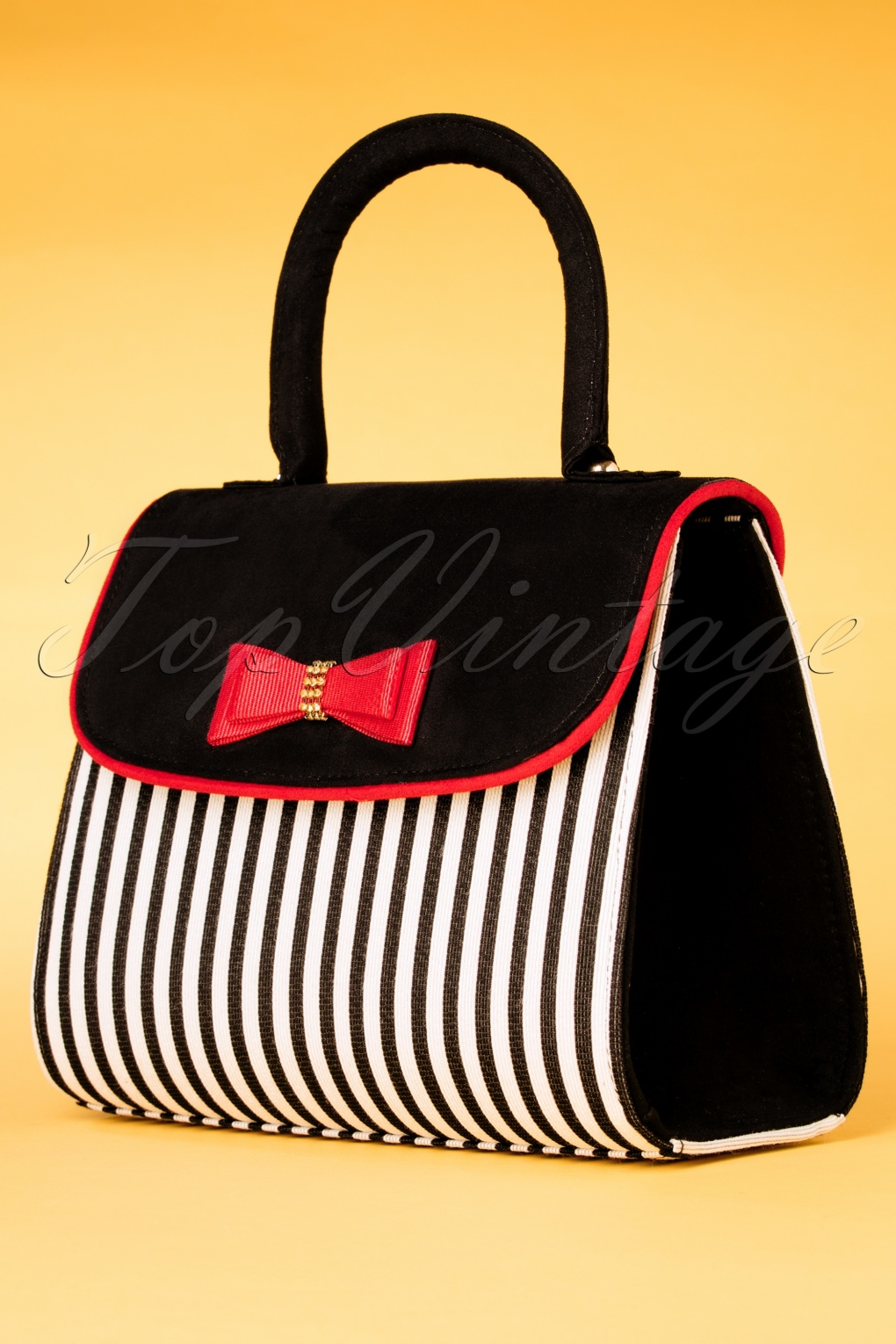 1950s Fashion History: Women's Clothing 50s Banjul Handbag in Black and White £49.16 AT vintagedancer.com