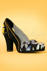 60s Livia Floral Pumps in Black