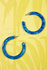 60s Marble Look Hoop Earrings in Blue