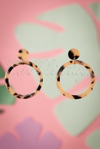Darling Divine 60s Jessy Tortoise Hoop Earrings in Beige