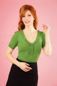 60s Droplet Ruffle V Neck Top in Kiwi Green