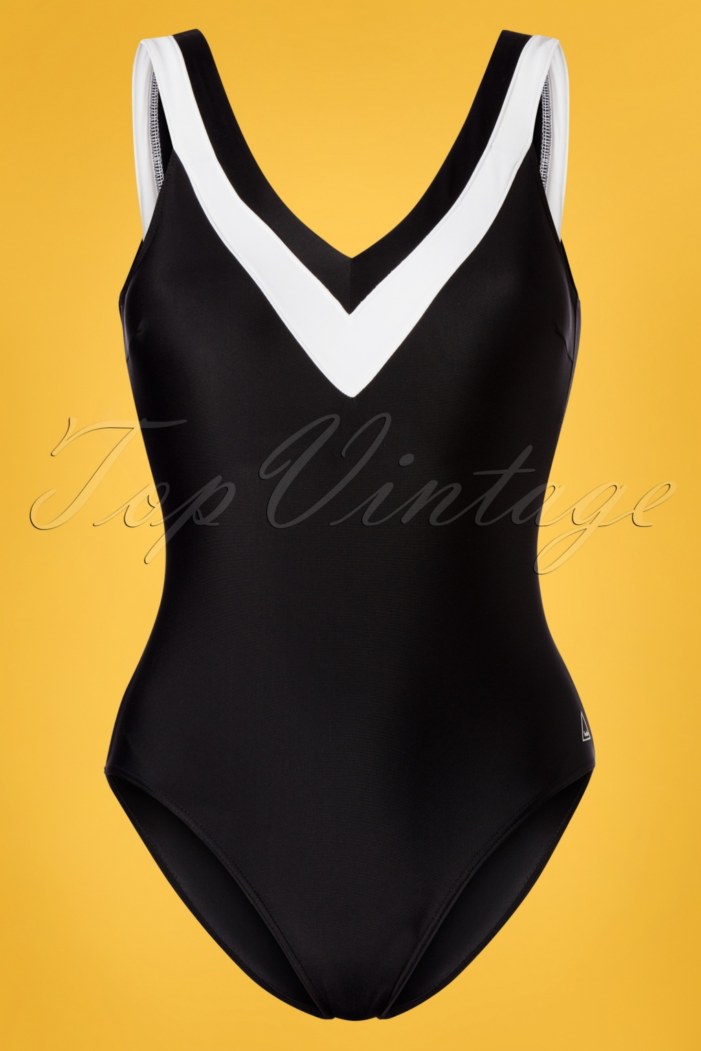 Vintage Bathing Suits | Retro Swimwear | Vintage Swimsuits 60s Jody Swimsuit in Black and White �60.00 AT vintagedancer.com