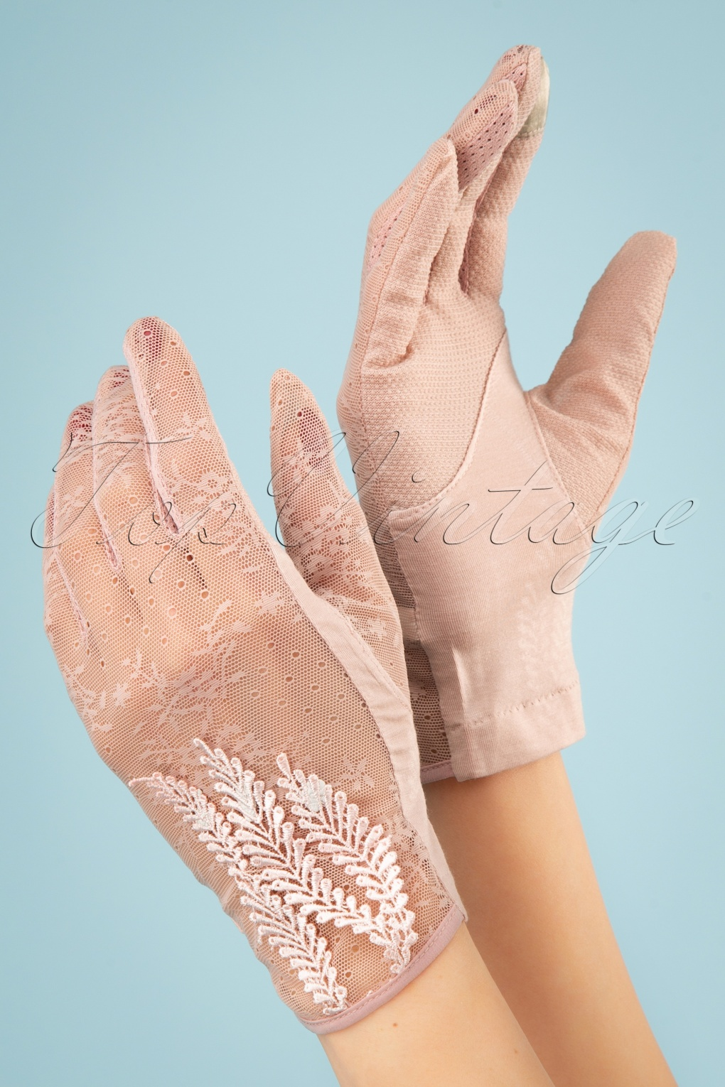 1940s Accessories: Belts, Gloves, Head Scarf 40s Ruth Lace Gloves in Dusty Pink £22.08 AT vintagedancer.com