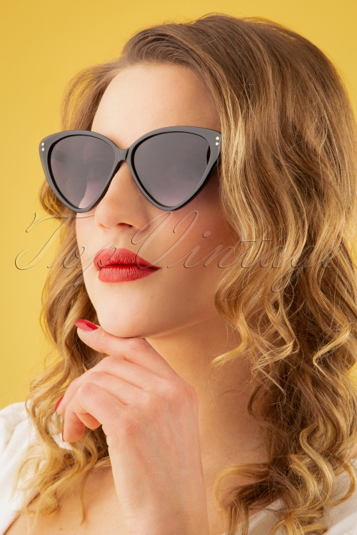 Collectif Clothing 27262 Amie Sunglasses Black 20190219 032W