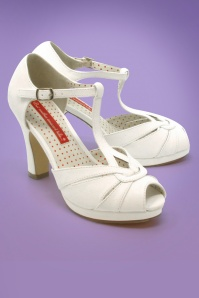 B.A.I.T. 30s Lacey Art Deco T-Strap Pumps in Ivory