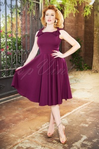 The Charlie Bow Swing Dress en Aubergine