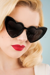 Collectif Clothing 27259 Love Is In The Air Black Sunglasses Hearteyes 20190228 006