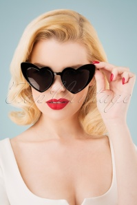 Collectif Clothing 27259 Love Is In The Air Black Sunglasses Hearteyes 20190228 003