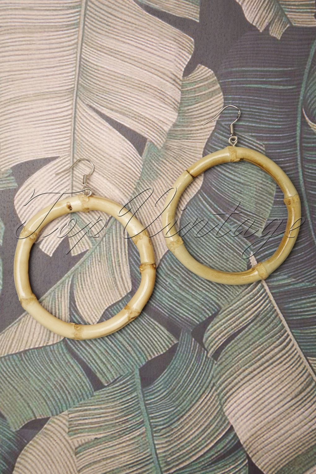3418308bf2fc 1950s Jewelry Styles and History 50s Tammy Large Bamboo Earrings £11.18 AT  vintagedancer.com