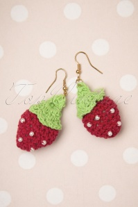 50s Crochet Strawberry Earrings in Red