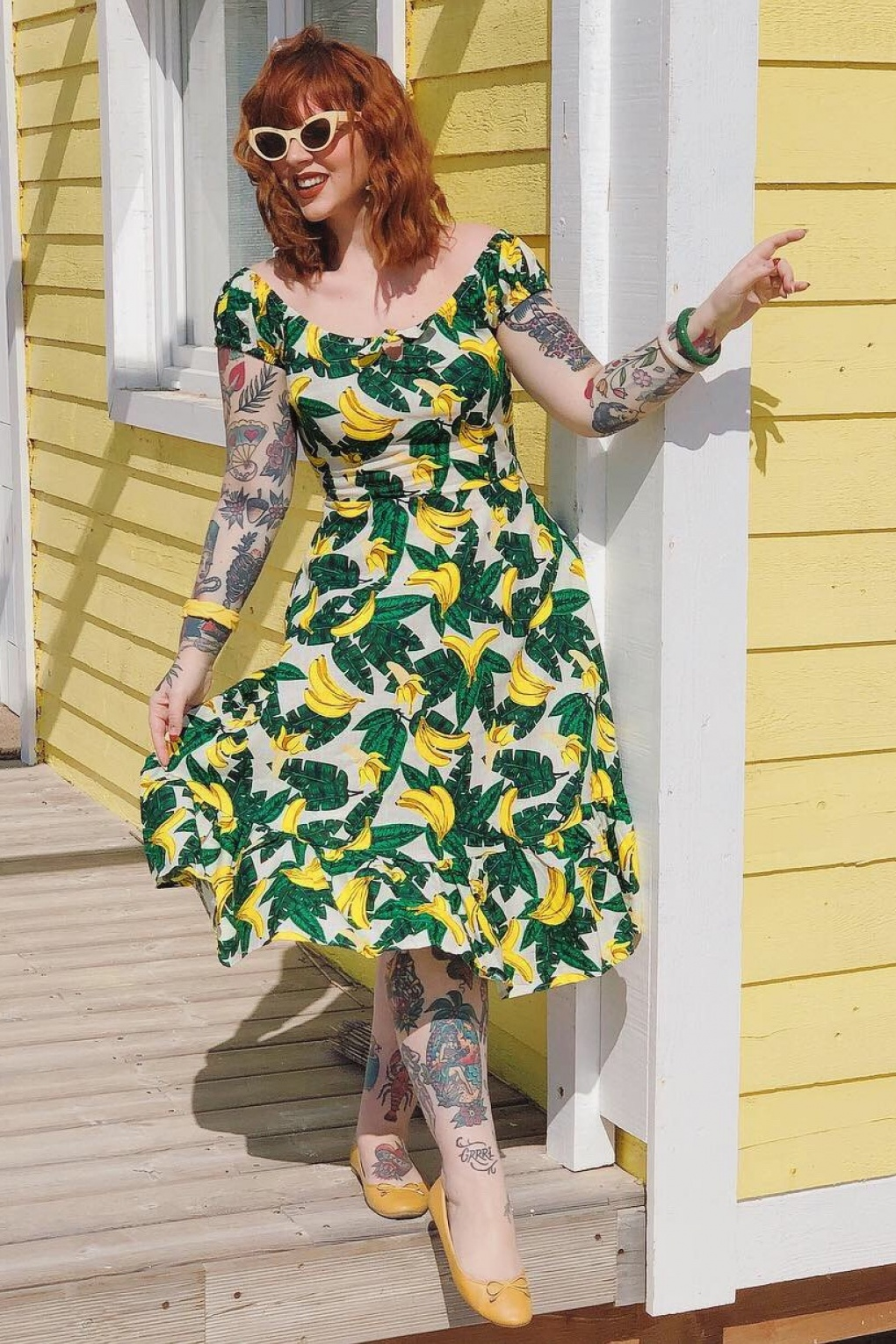 Retro Tiki, Tropical, Hawaiian Style Dresses 50s Lorena Tropical Banana Swing Dress in Cream �63.04 AT vintagedancer.com