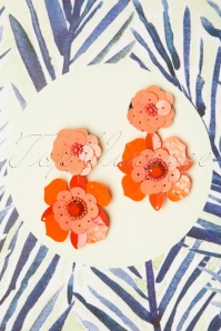 60s Flower Power Earrings in Coral
