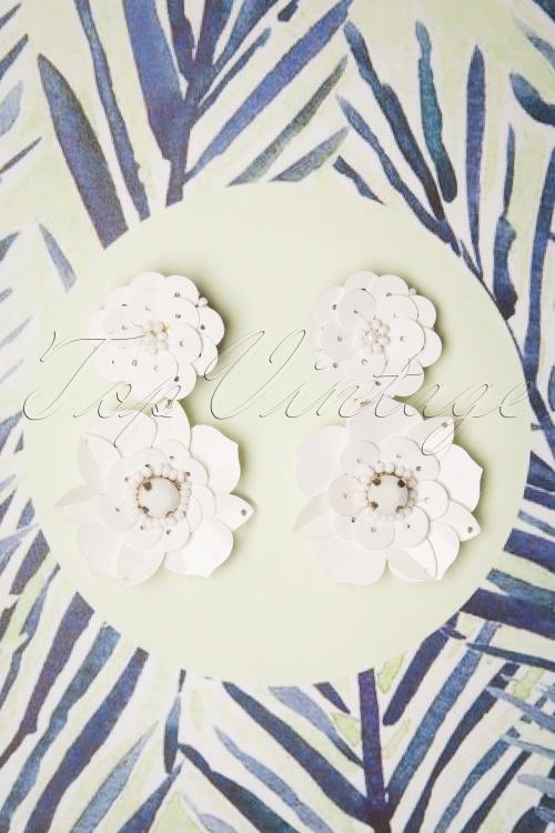 Darling Divine 28991 Earrings Oorbellen White Flower 20190313 001 W