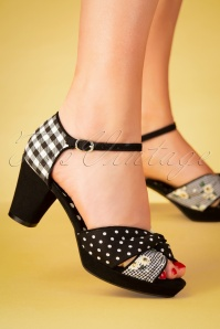 60s Xanthe Peeptoe Pumps in Black