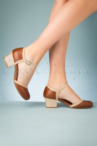 60s Brandy Leather Pumps in Cognac and Beige