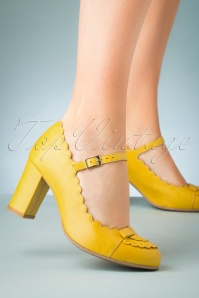 La Veintinueve 60s Penelope Mary Jane Pumps in Yellow