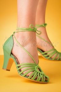 Miss L-Fire 70s Paloma Pumps in Apple Green