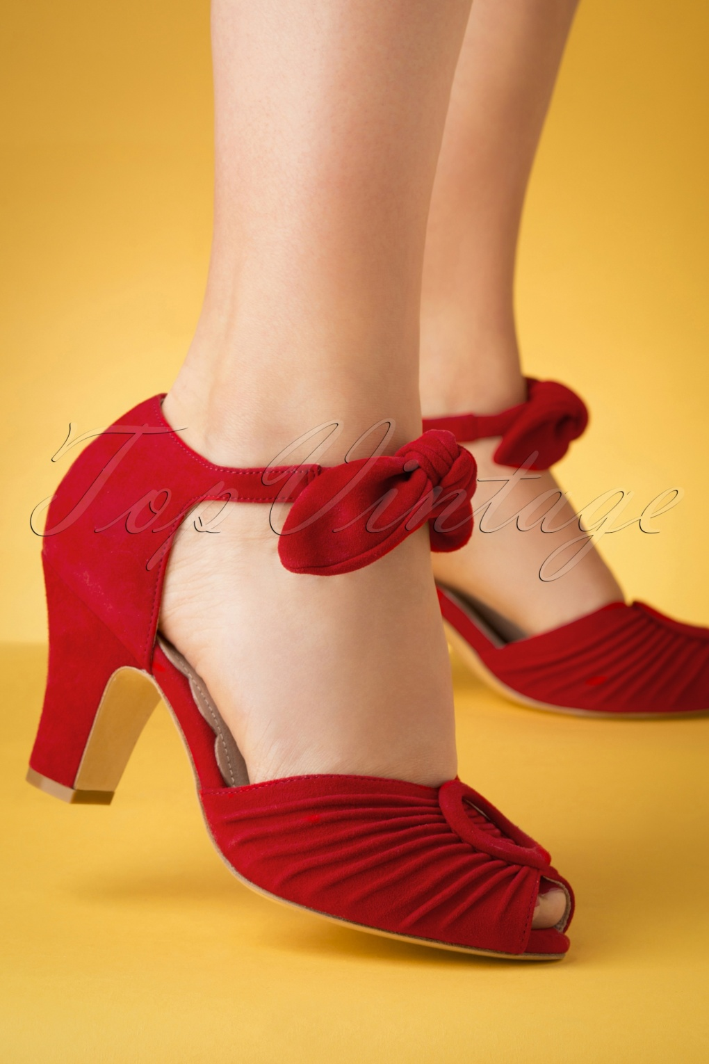 10 Popular 1940s Shoes Styles for Women 40s Loretta Suede Pumps in Red �138.09 AT vintagedancer.com
