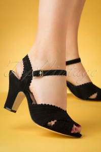 50s Beatriz Suede Sandals in Black