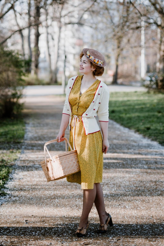 Swing Dance Dresses | Lindy Hop Dresses & Clothing 40s Chantal Mini Fleur Tea Dress in Yellow £37.62 AT vintagedancer.com