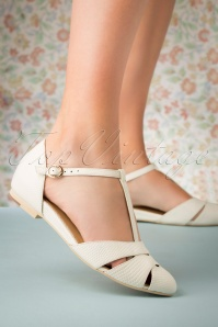 50s Sardinia T-Strap Flats in Ivory