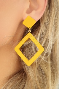 Collectif Clothing 27251 Earrings Yellow Square 20190320 001closeup W