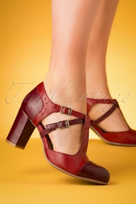 60s Elena Leather T-Strap Pumps in Red