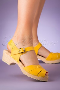 60s Pippa Leather Clogs in Yellow