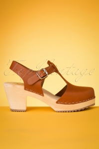 Highwood T-Strap Leather Clogs Années 60 en Brun Clair