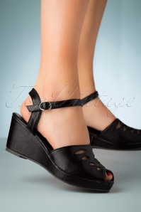 60s Lily Wedge Sandals in Black