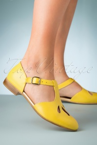 60s Janis Leather Flats in Yellow