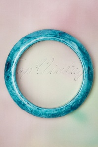 Collectif Clothing 50s Sandra Marble Bangle in Blue