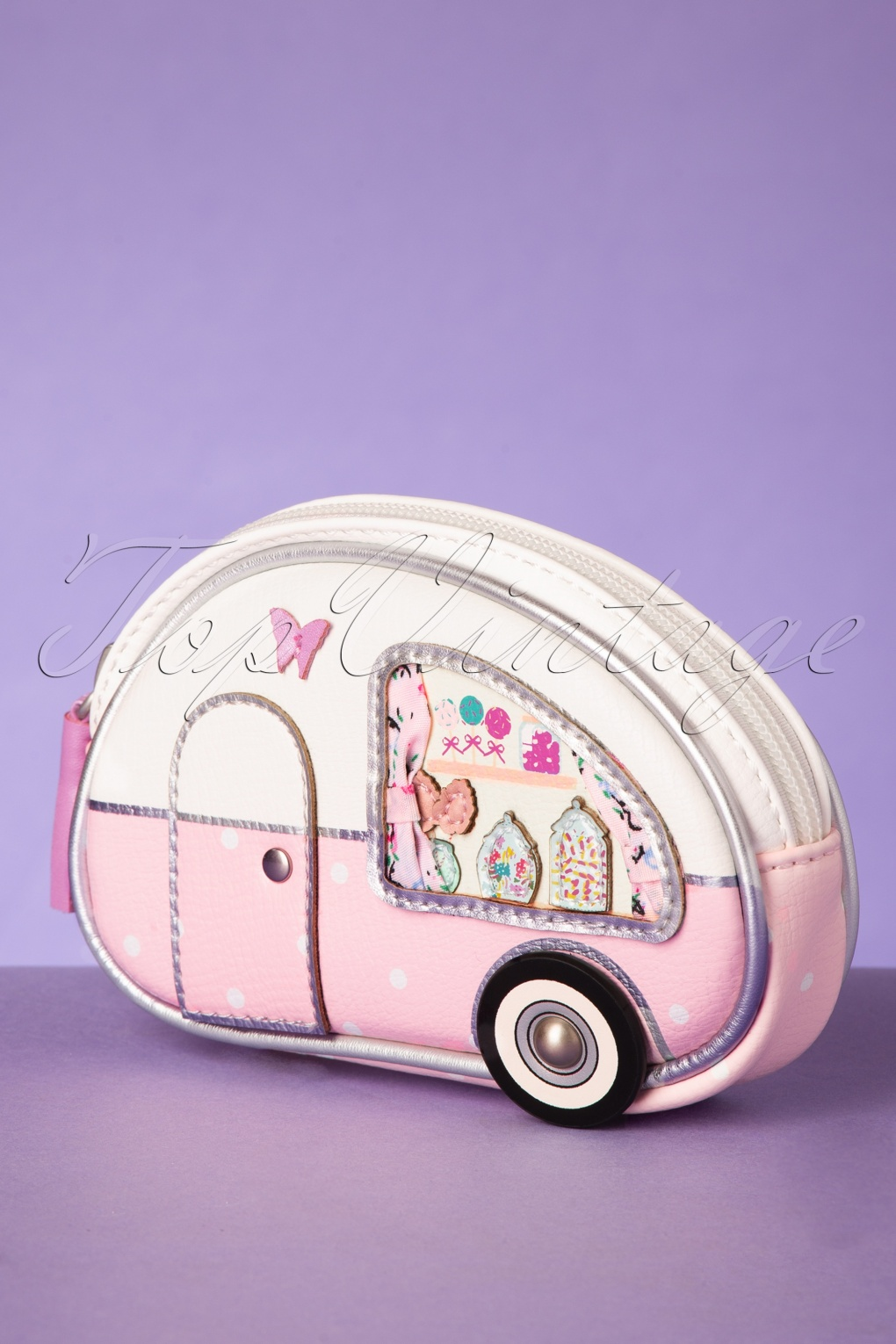 Vintage & Retro Handbags, Purses, Wallets, Bags 50s Sweetie Caravan Coin Purse in White and Pink �24.17 AT vintagedancer.com
