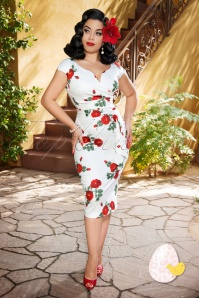 Vintage Diva by TopVintage The Bombshell Pencil Dress in White Roses