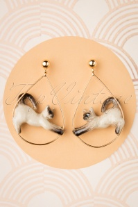 60s Siamese Stretching Cat Hoop Earrings in Beige