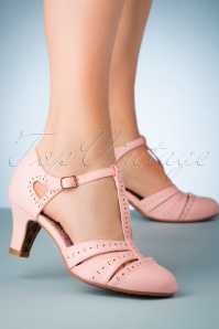 50s Maisie T-Strap Pumps in Pink