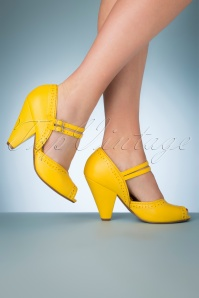 Bettie Page Shoes 50s Nellie Peeptoe Pumps in Yellow
