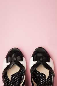 Bettie Page Shoes 50s Margie Peeptoe Pumps in Black