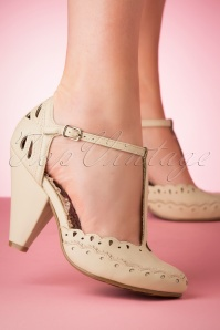 50s Birdie T-Strap Pumps in Nude