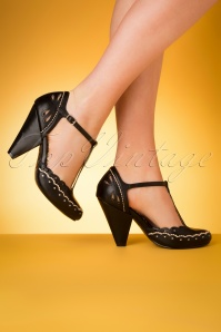 50s Birdie T-Strap Pumps in Black