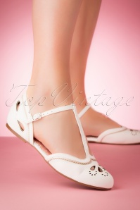 Bettie Page Shoes 28064 Juliet T strap Ivory 20190418 005W